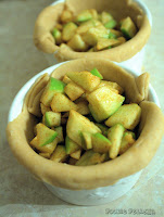 http://foodiefelisha.blogspot.com/2013/08/mini-deep-dish-apple-pie.html