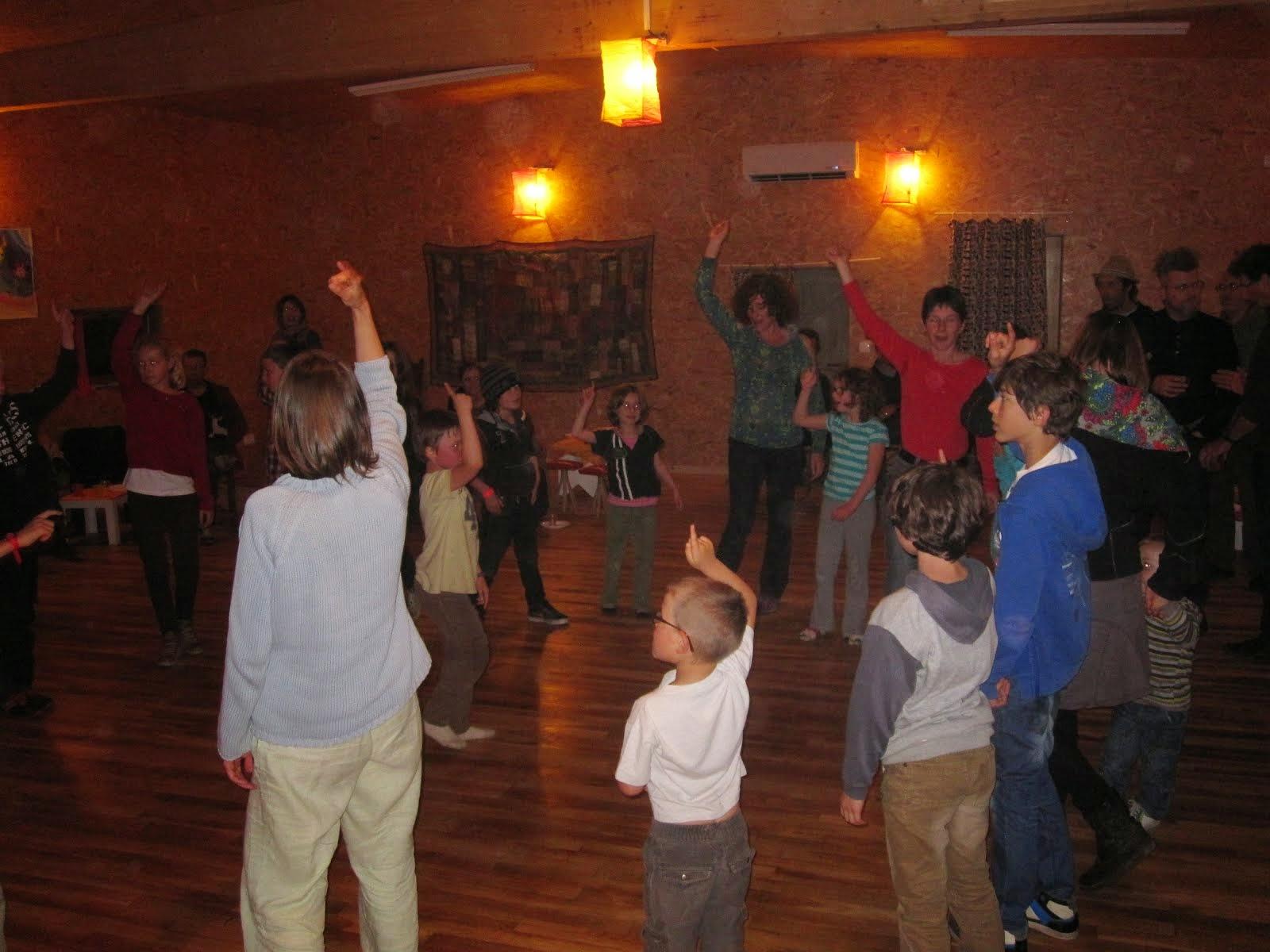 Danse occitane enfants adultes