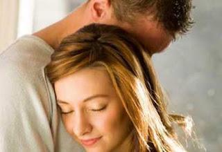 7 Bukti Pelukan Lebih Baik Dari Ciuman
