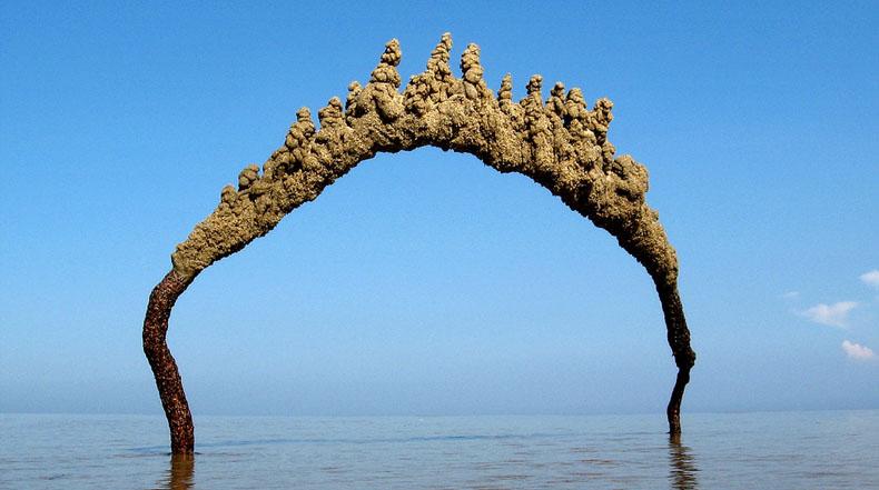 Peculiares castillos de arena abstractos