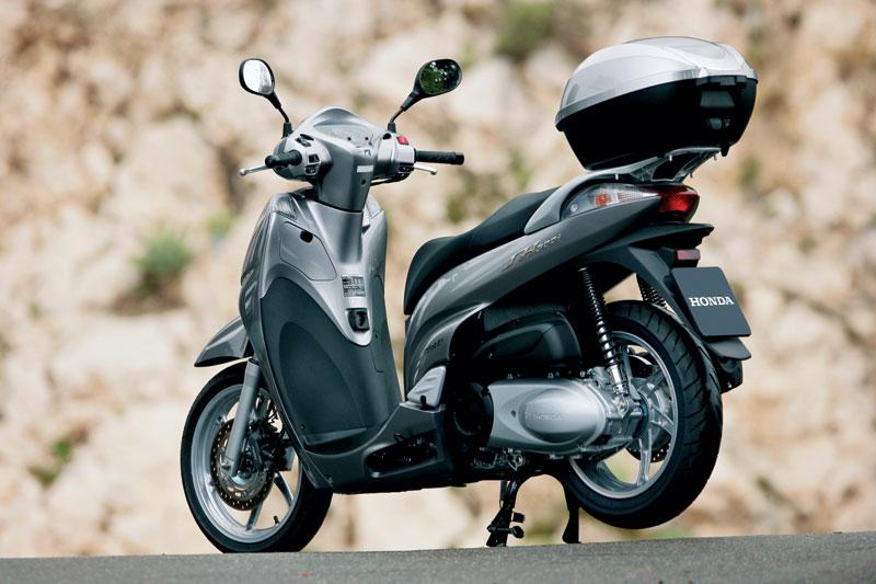 2011 honda sh300i spesifikasi dan modifikasi motor. Black Bedroom Furniture Sets. Home Design Ideas