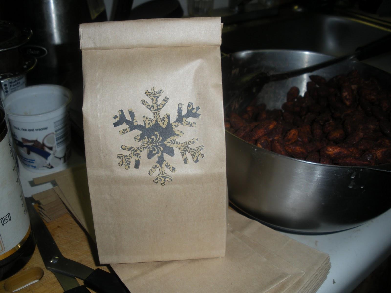 http://1.bp.blogspot.com/-pm8x_ufOiVo/Tt8A6RX288I/AAAAAAAAAKA/5aFlIWemZK8/s1600/Cocoa+roasted+almonds+2.JPG