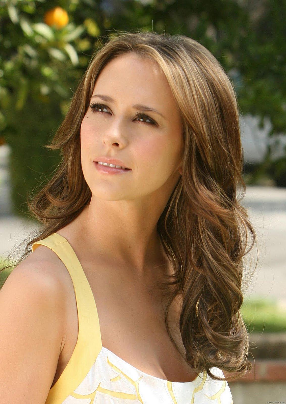 http://1.bp.blogspot.com/-pmEv49bwpBE/TvTnNo_E81I/AAAAAAAAHjc/BQwSZlsr_YY/s1600/Jennifer%2BLove%2BHewitt7.jpg