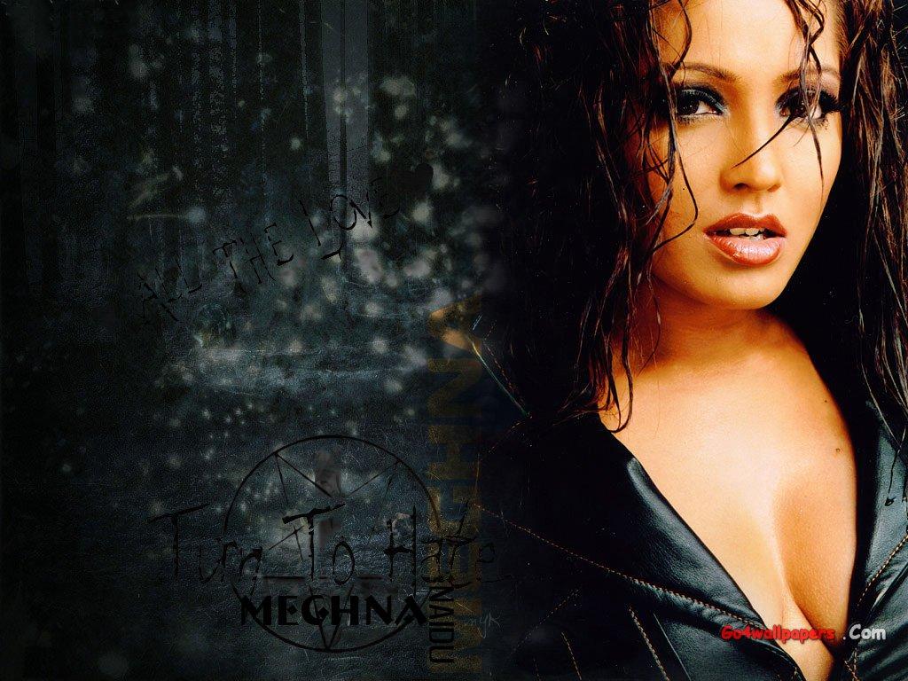 Meghna naidu cleavage