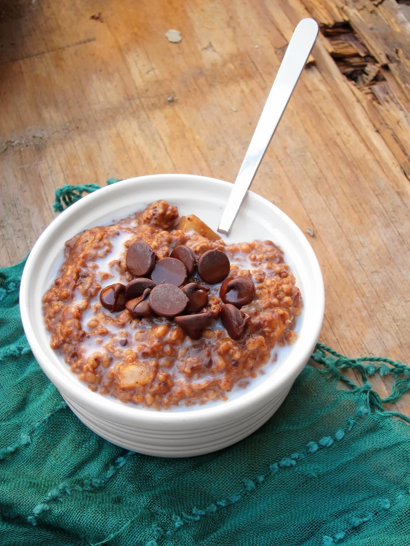 The Oatmeal Artist: Salted Chocolate Pear Oatmeal