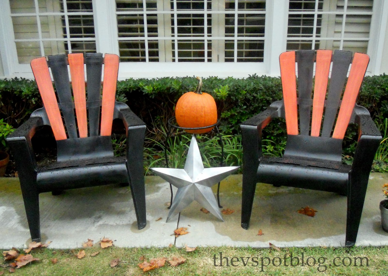 Charmant Halloween Adirondack Chairs