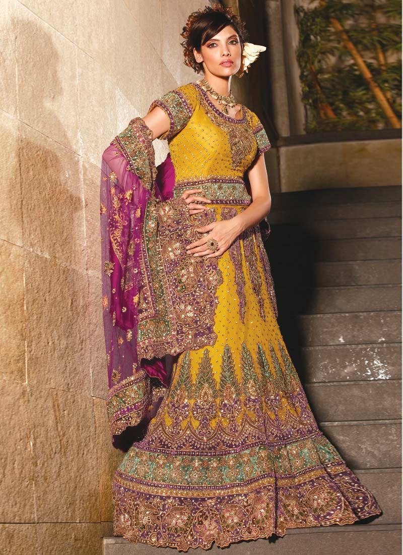 Designer Hamid Hussain: Bridal Lehenga
