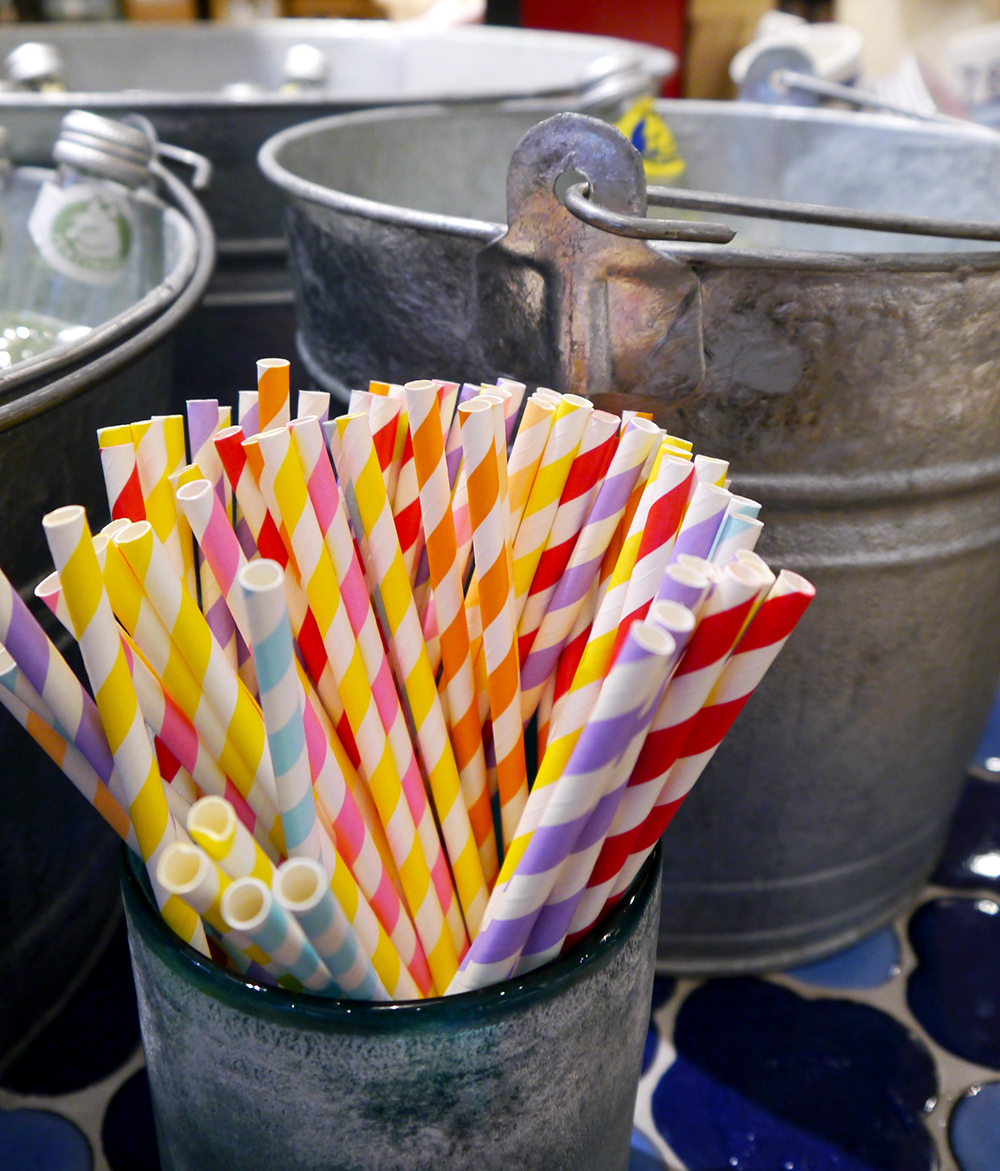 paper straws, shabby chic, party, wedding, table setting, decoration, interiors