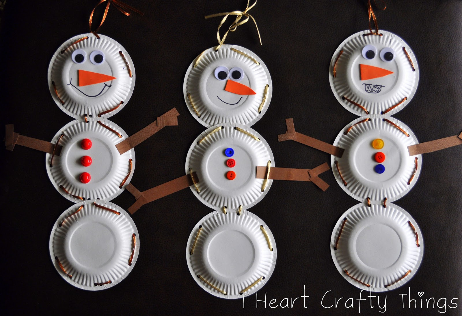 Paper Plate Snowman with Lacing Practice & Paper Plate Snowman with Lacing Practice | I Heart Crafty Things