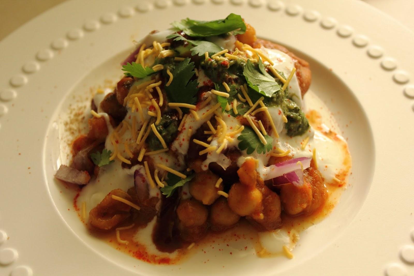 Samosa Chaat ~ Midnight Masala!! - The Late Night Cook