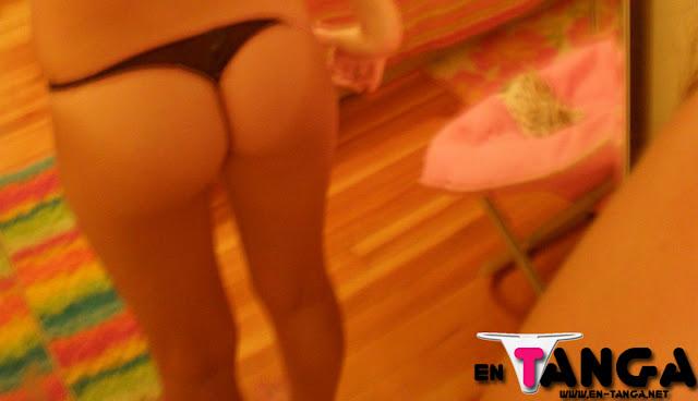 joven+mexicana+morocha+en+tanga Joven mexicana morocha en tanga (Galería de Fotos)