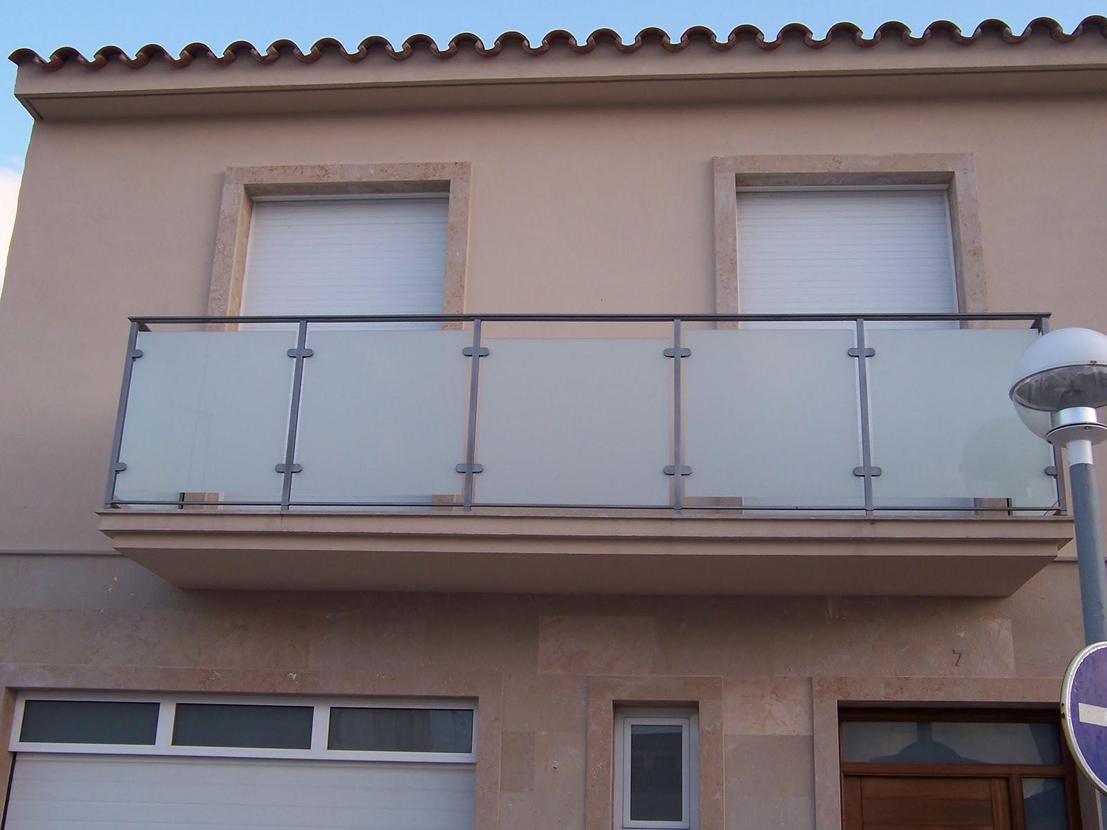 Ferreria eduardo serra balcones for Accesorios para toldos de balcon