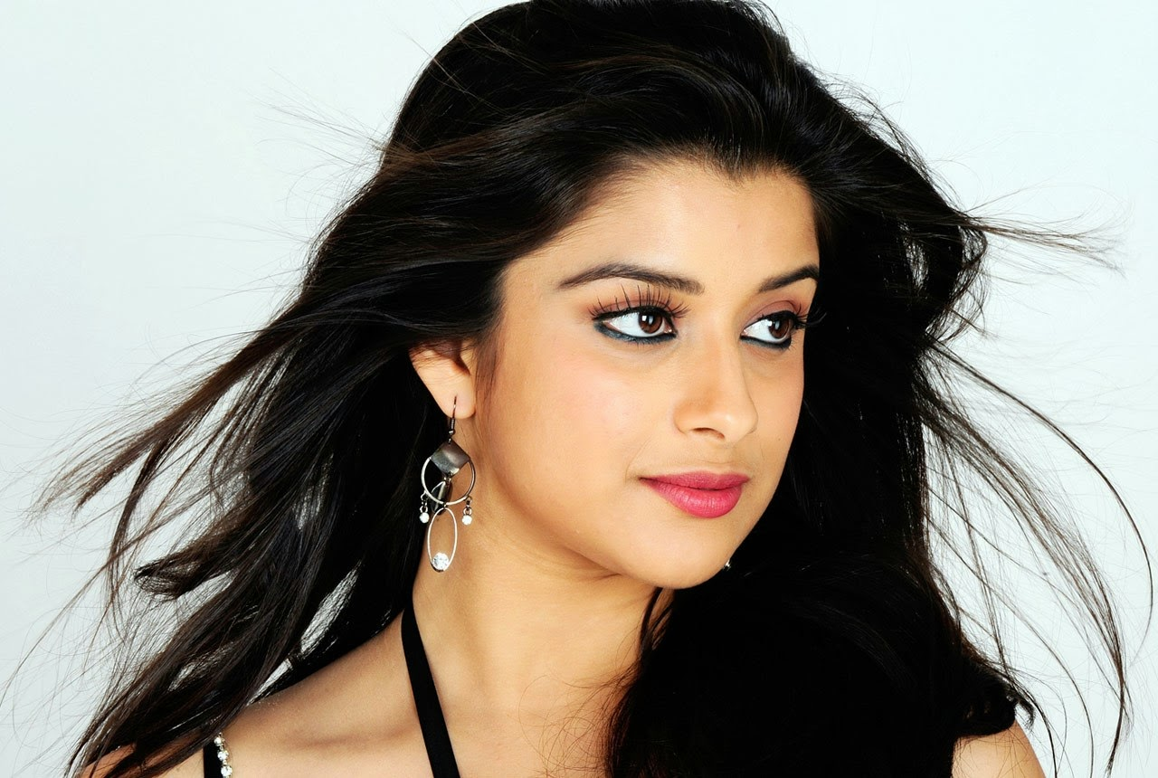 Cute bollywood actress images and wallpapers - Indian ladies wallpaper ...