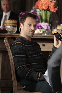 "Jonny Lee Miller as Sherlock Holmes in Elementary Episode # 4 ""The Rat Race"""