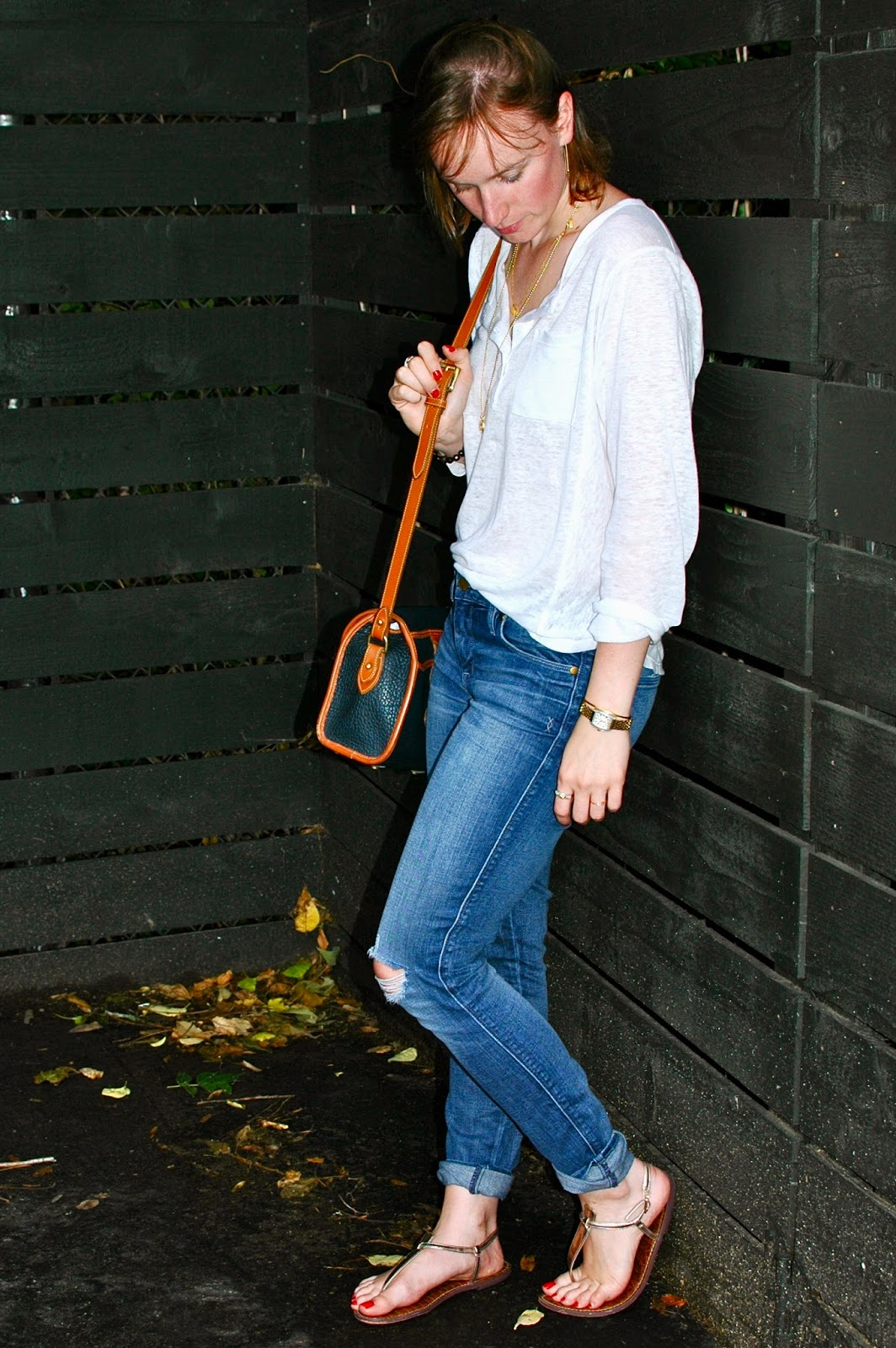 Distressed Denim, White Tee, Cross Body Bag, Dooney & Bourke, Sam Edelman, Nashville Style, Laid Back Style