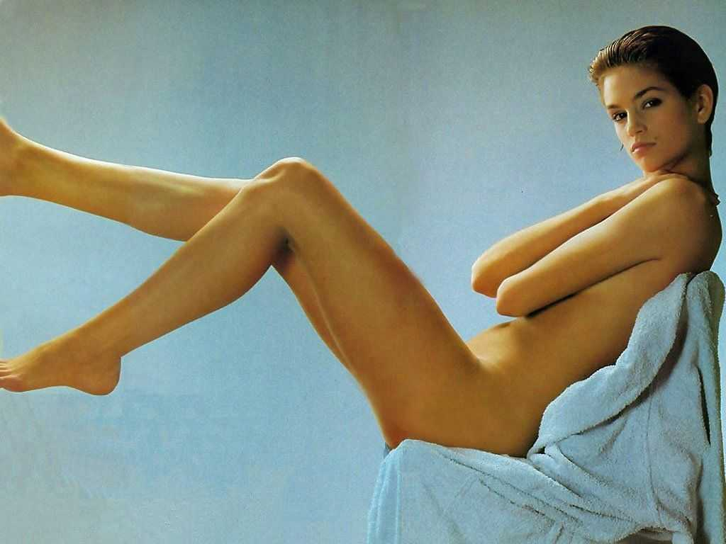 http://1.bp.blogspot.com/-pnqV_3Hc1-4/TrI_acTbQmI/AAAAAAAAgXQ/aU34Wexbe1c/s1600/Cindy+Crawford+Topless+and+Nude+Photoshoot+06.jpg