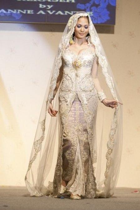 Kebaya Pengantin Modifikasi Anne Avantie Fashionshow 1