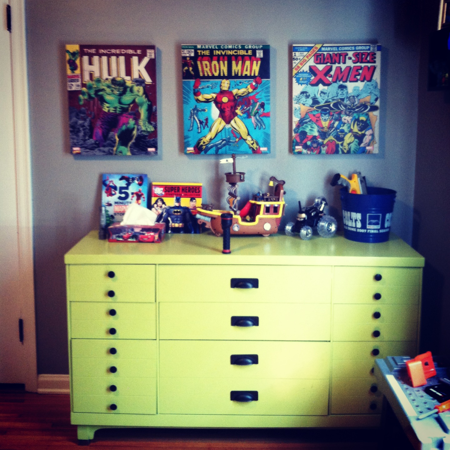 Book themed bedroom - Comic themed bedroom ...
