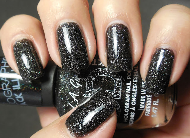 L.A. Girl 3D Holographic  Black Illusion
