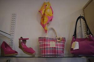 Scrumptious shoes & bags from Toni Pons & Owen Barry
