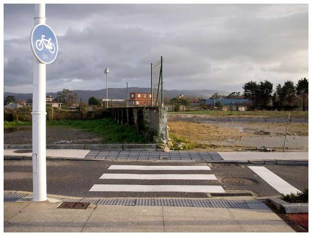 Fotografía de un paso en el Rinconín y junto a la playa de San Lorenzo (Gijón)