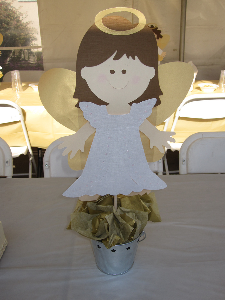 Crafting rocks baptism decorations - Simple baptism centerpieces ...