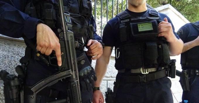 Απίστευτο: 31 βουλευτές του Σύριζα ζητούν τον αφοπλισμό των Αστυνομικών - Διαβάστε ποιοι είναι