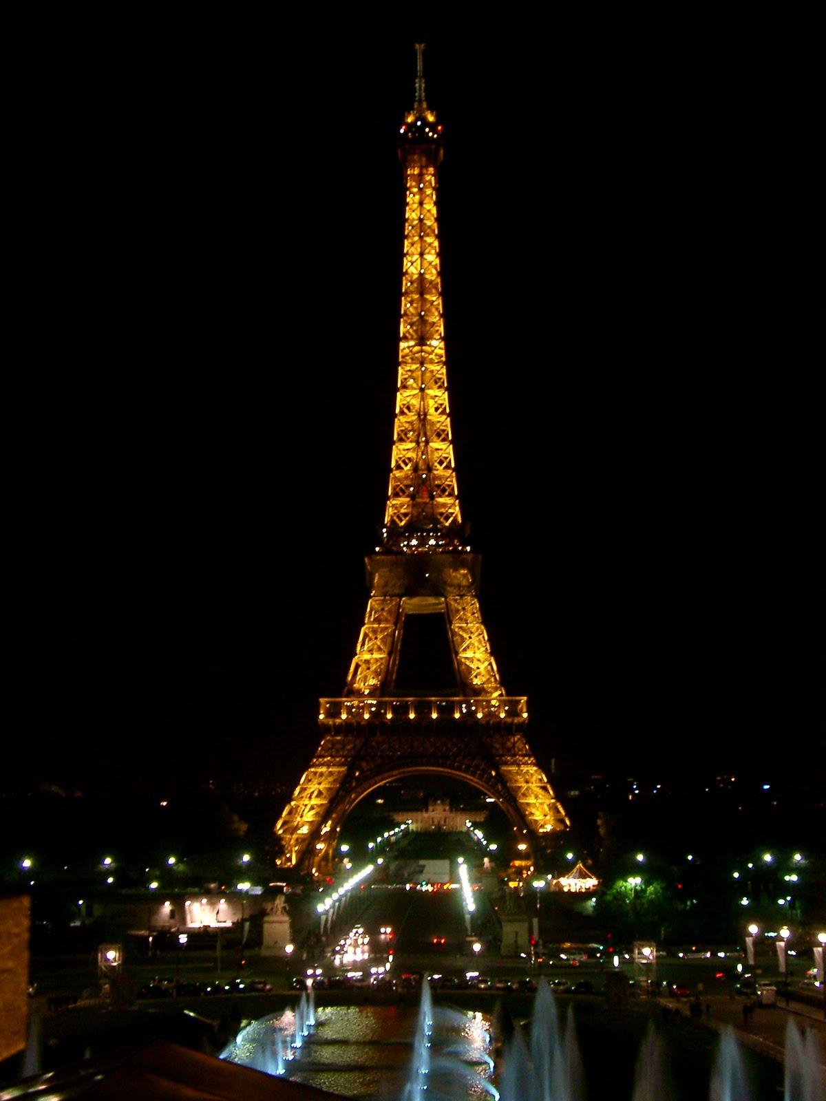 http://1.bp.blogspot.com/-pogqqB_Be2I/UGVRMNOzqeI/AAAAAAAAABQ/eJPNEEapHjI/s1600/11_eiffel_tower_night3030.JPG