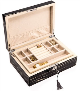 https://www.chasingtreasure.com/Fully-Locking-Wooden-Jewelry-Box-with-Tray-p/bbi-bb658ct.htm
