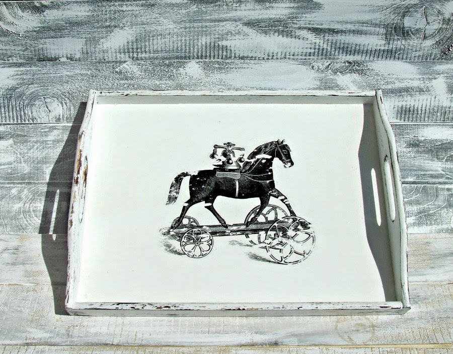 Biała taca kuchenna decoupage z motywem retro rycina konia zabawki. Styl vintage i shabby chic by Eco Manufaktura