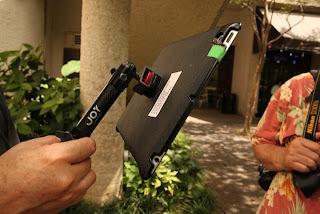 external image ISTE+13+Photo+Walk+Austin+iPad+Holder.jpg