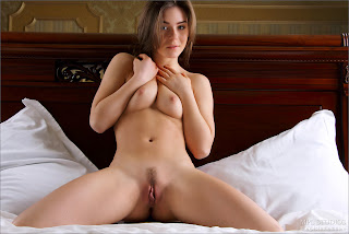 Raisa Undressed 009