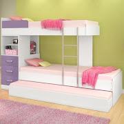 Aqui un ejemplo de una litera tipo tren y una cama en esquina para crear una . cuarto para tres hermanitos