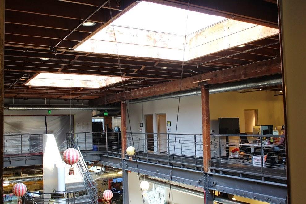 renovasi-bangunan-gudang-interior-kantor-pinterest.com-dinamis-ruang dan rumahku-025