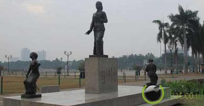 Patung Raden Ajeng Kartini