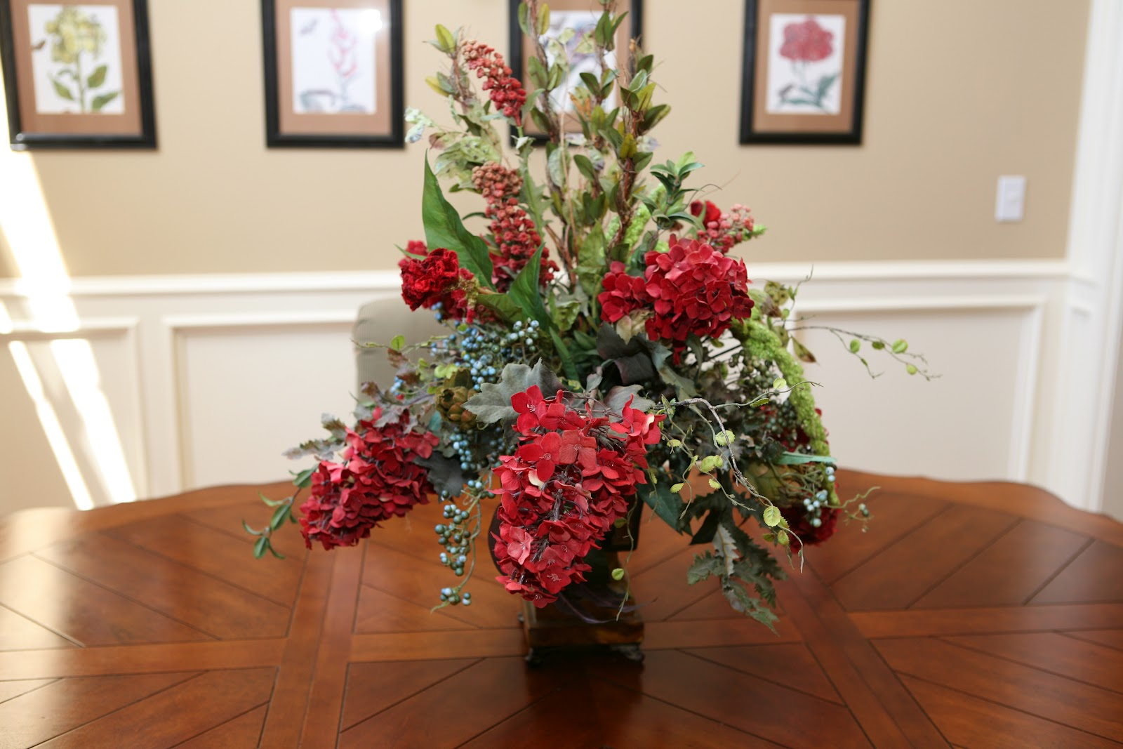 Kelly 39 s korner show us your life how do you decorate for Flowers for dining room table