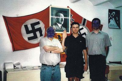 http://directa.cat/noticia/unes-fotos-que-destapen-passat-neonazi-del-portaveu-pxc-santa-coloma-directa-338