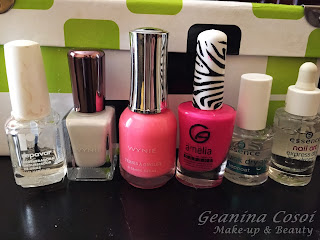 Nail art white/pink