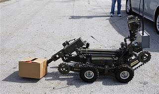 Gambar Robot Penjinak Bom