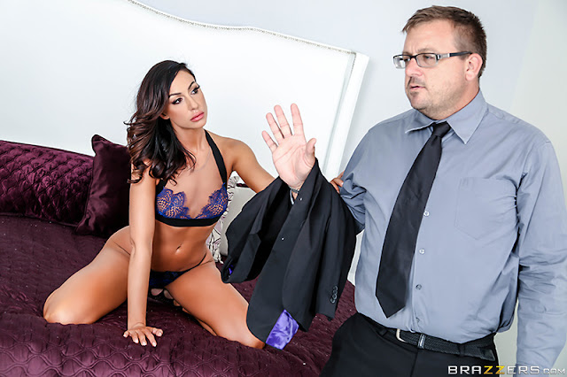 Tiffany Brookes – Sex With A Salesman (Real Wife Stories)