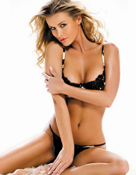 Beauty woman hot joanna krupa - Michelle diva futura ...