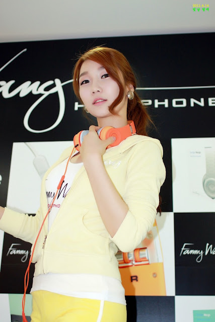 8 Go Jung Ah for Fanny Wang Headphone-very cute asian girl-girlcute4u.blogspot.com