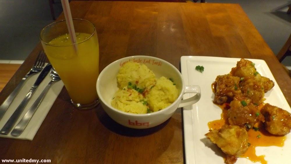 BBQ Chicken Restaurant Gangjeong Chicken and marsh potato