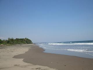 Tempat Wisata Pantai Rambut Siwi Jembrana Bali