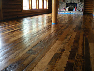 reclaimed Okk floor by http://www.huismanconcepts.com/
