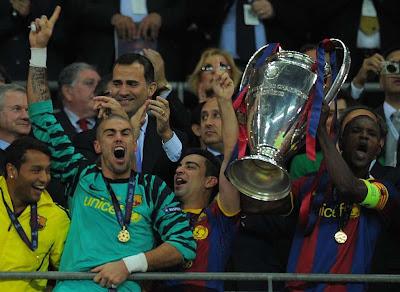 Barcelona levanta la copa