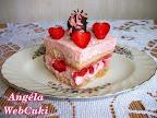 Az Epermisu egy sütés nélküli sütemény, aminek citromos sziruppal átitatott babapiskóta az alapja, amire eperpürés mascarponés krémet simítunk.