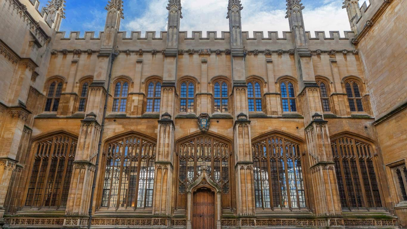 The Bodleian Library, Oxford, Oxfordshire, England, United Kingdom (© Charlie Harding/Corbis) 183