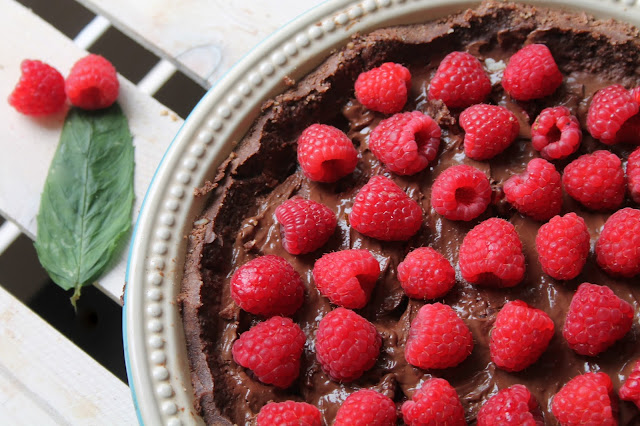 vegan chocolate raspberry torte