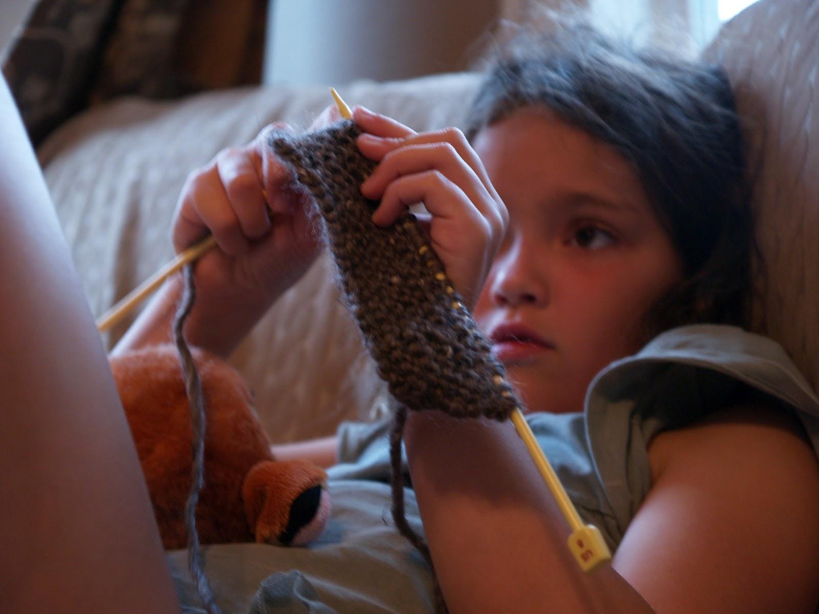 Teaching Knitting Rhyme : Teaching kids to knit the magic onions